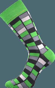Bunte Socken mit Vierecken grun
